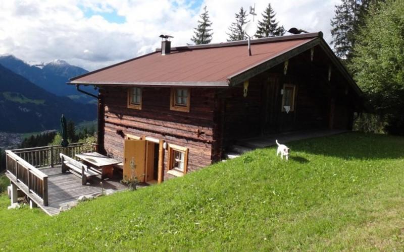 Berghuette-pachten-786_Huettenansicht