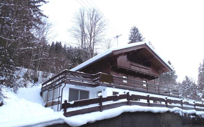 Komfort Wochenendhaus in schöner Alleinlage – Nähe Thiersee