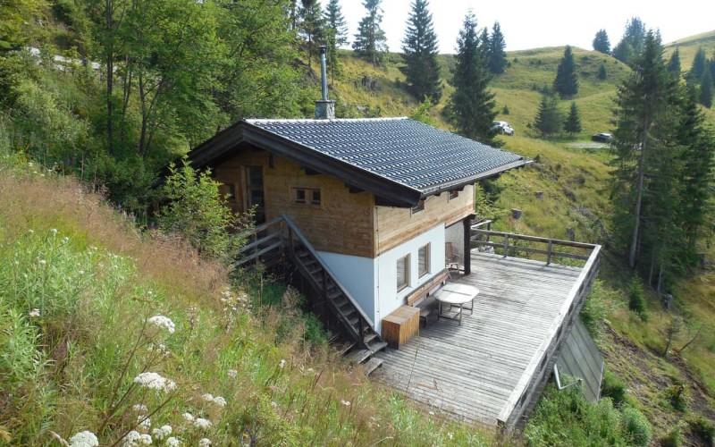 luxusberghuette-pachten-hopfgarten-hüttenansicht