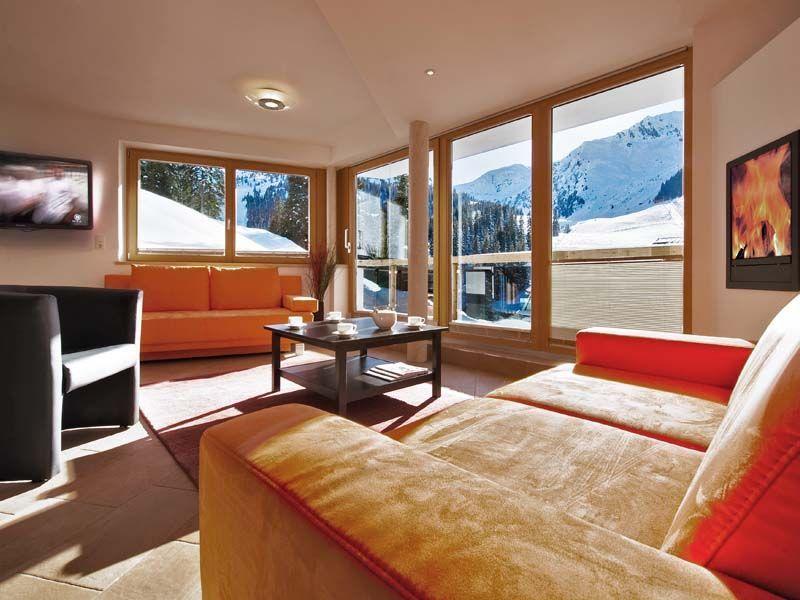 ferienwohnung-mieten-skigebiet-hochzillertal-wohnbereich